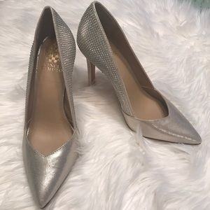 💝FINAL PRICE ABSOLUTELY LOVELY VINCE CAMUTO heels